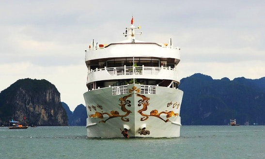 Cruising Monohull Rental In Halong Bay