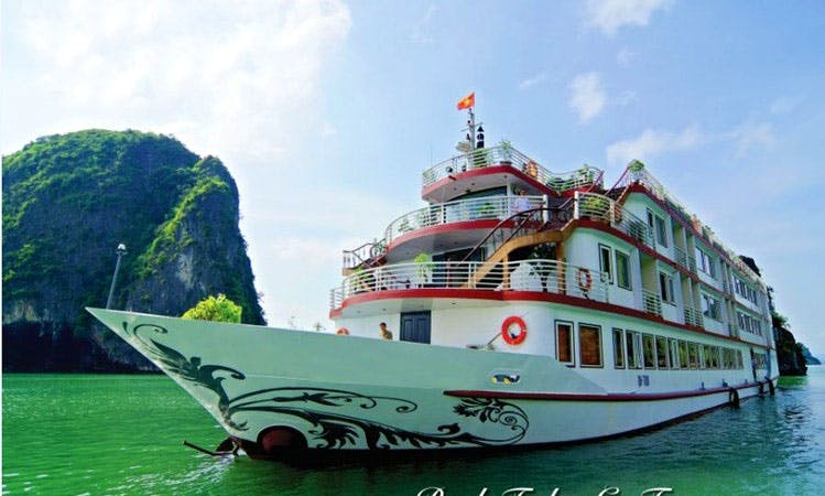 Houseboat Rental in tp. Hạ Long