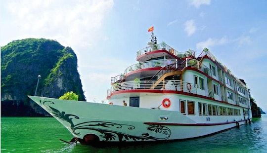 Houseboat Rental In Tp. Hạ Long