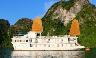 Cruise in Hanoi