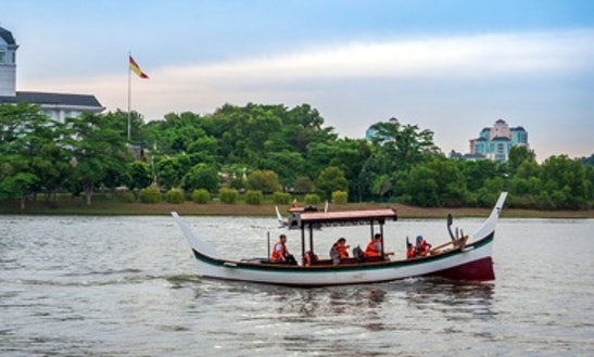 Charter A Longtail Boat In Putrajaya, Malaysia