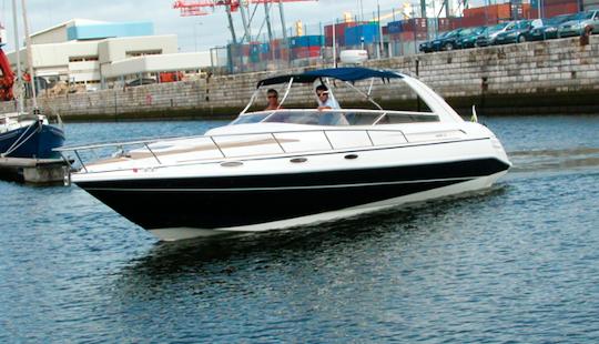 Charter 32' Hawk Motor Yacht In The Algarve, Porimão, Portugal