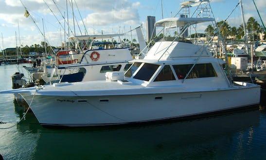 Enjoy Fishing On 41' Hatteras Sport Fisherman Yacht In Honolulu, Hawaii
