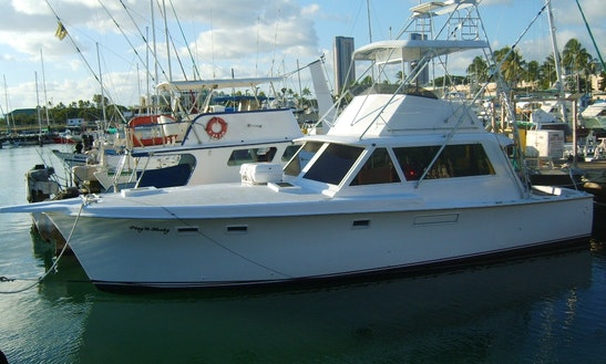 Enjoy Fishing On 41' Hatteras Sport Fisherman Yacht In Honolulu, Hawaii