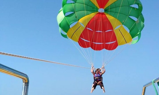 Enjoy Parasailing In Chipi, Maharashtra