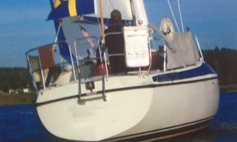 Sailing Charter On 31' Maxi 95s Sailboat In Kristinehamn, Sweden