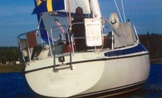Sailing Charter On 31' Maxi 95s Sailboat In Kristinehamn, Sweden