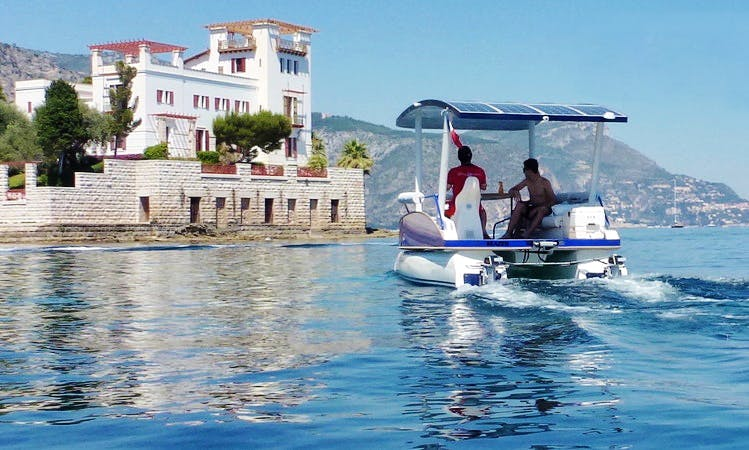 Private Tour 6 pers.: French Riviera Solar Boat Cruise with Skipper from Beaulieu-sur-Mer