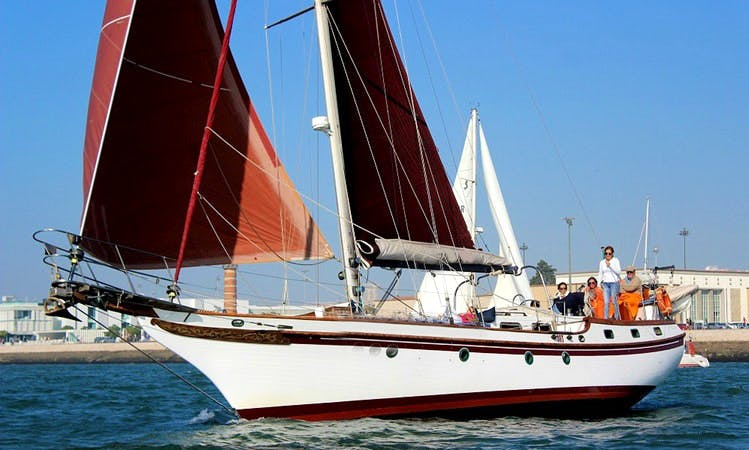 Charter 47ft  Vintage Sailboat In Lisboa, Portugal