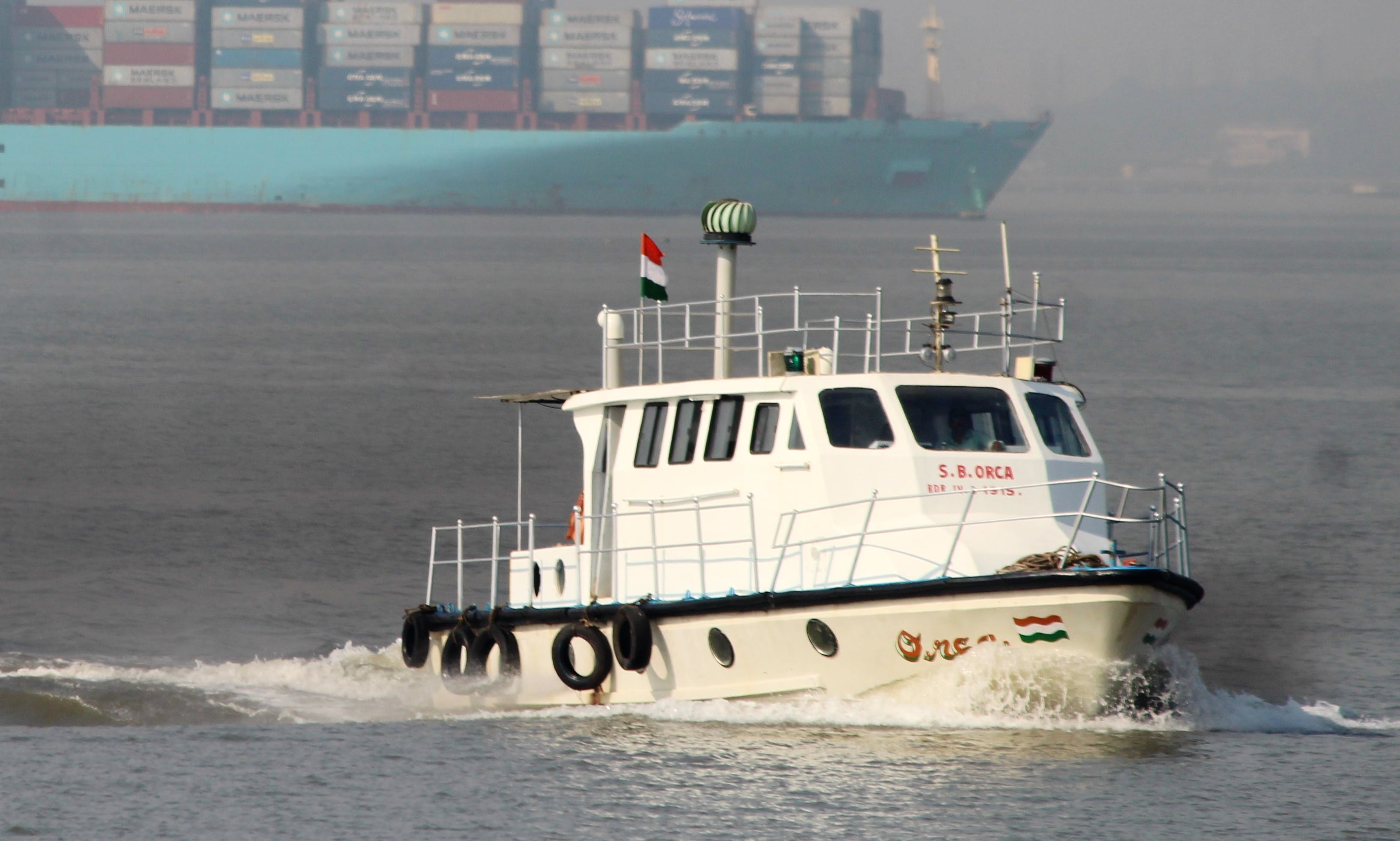 Motor Yacht rental in Navi Mumbai