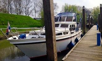 Rent 39' Motor Yacht In Heukelum