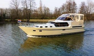 Rent 43' Motor Yacht In Heukelum