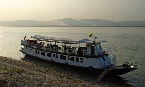 Charter River Lounge Motor Yacht in Mandalay, Myanmar (Burma)
