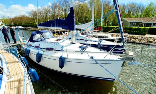 Charter 31' Stern Cruising Monohull In Workum, Netherlands