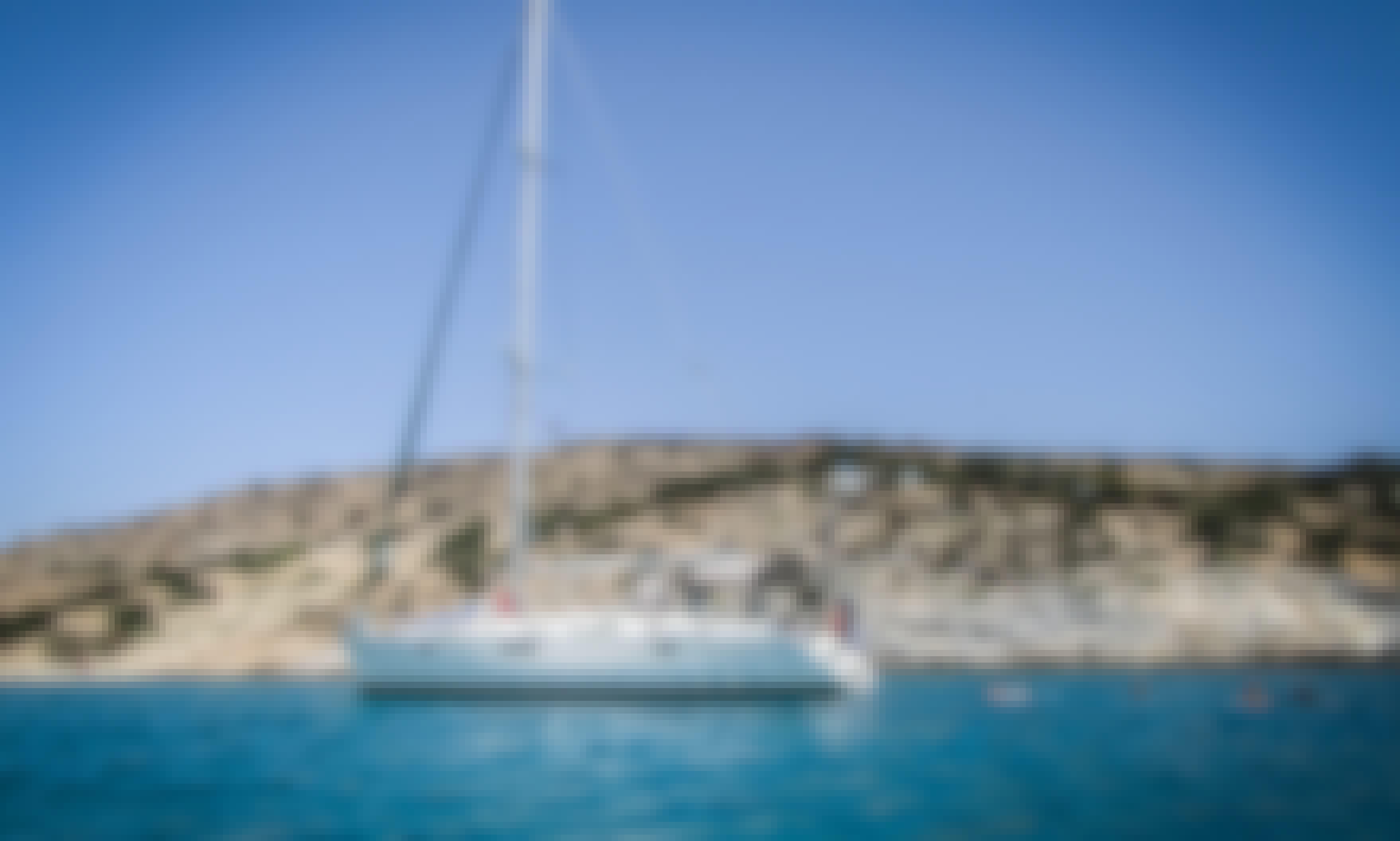 Captain Charter On 44' Beneteau Oceanis Cruising Monohull In Naxos, Greece