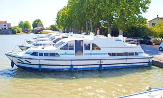 Rent 42' Riverboat In Egå