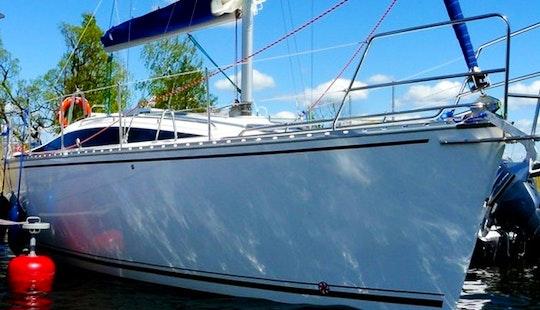 Charter Tango 33 Sailboat In Wilkasy