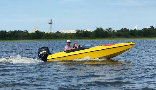 14' Speedboat Rental And Narrated Boat Tour In Charleston, Carolina