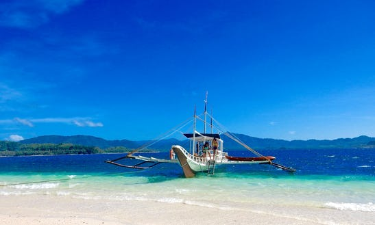 Be Amazed In The Beauty Of El Nido, Philippines On A Traditional Boat