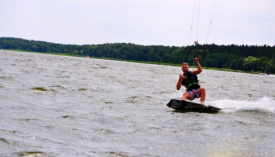 Kiteboarding In Wilkasy