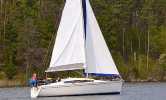 Sail Ruciane-Nida water Aboard a 10 person Sailing yacht!