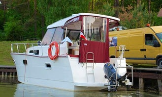 'Nautika 830' Yacht Charter in Giżycko