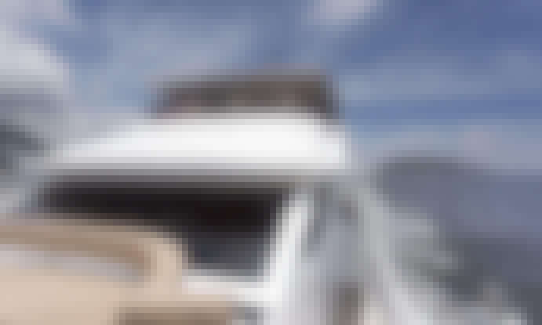Sleek Western Cruiser - SeaDancer Motor Yacht for 50 People in Hong Kong Island