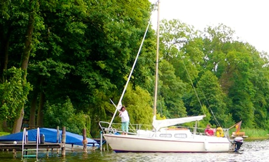 'stephanie' Sailing Monohull Charter In Neuruppin