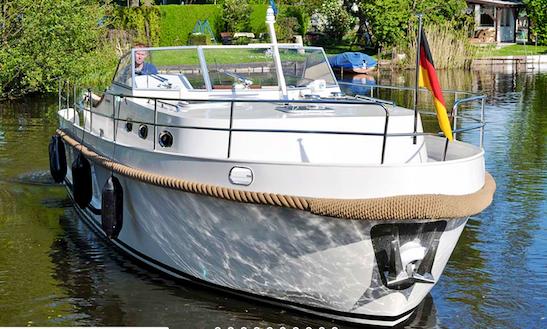 Charter 33' Gabriel Motor Yacht In Brandenburg, Germany