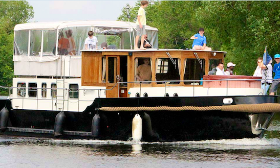 Charter 49' Passion Classic Motor Yacht In Brandenburg, Germany