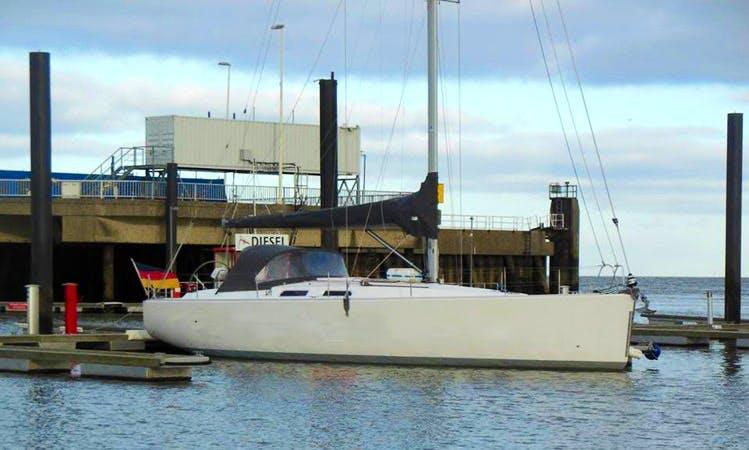 Charter 44' Hanse Cruising Monohull in Bremen, Germany