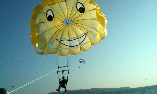 Enjoy Parasailing In Boracay, Philippines