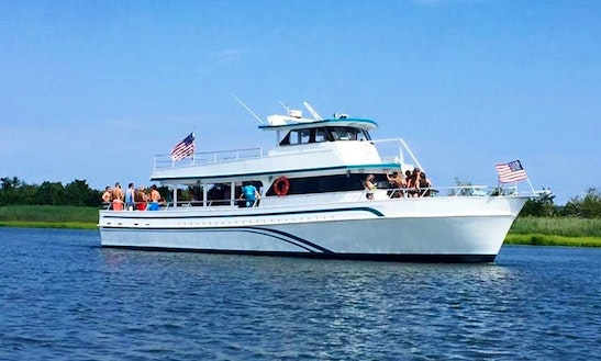 Motor Yacht Rental In Jersey City