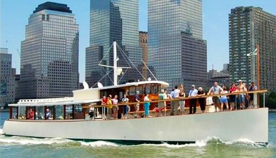 80ft Yacht Charter On New York Harbor