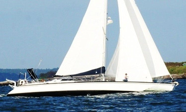 65' MacGregor Sailing Yacht (up to 12 guests) in Boston