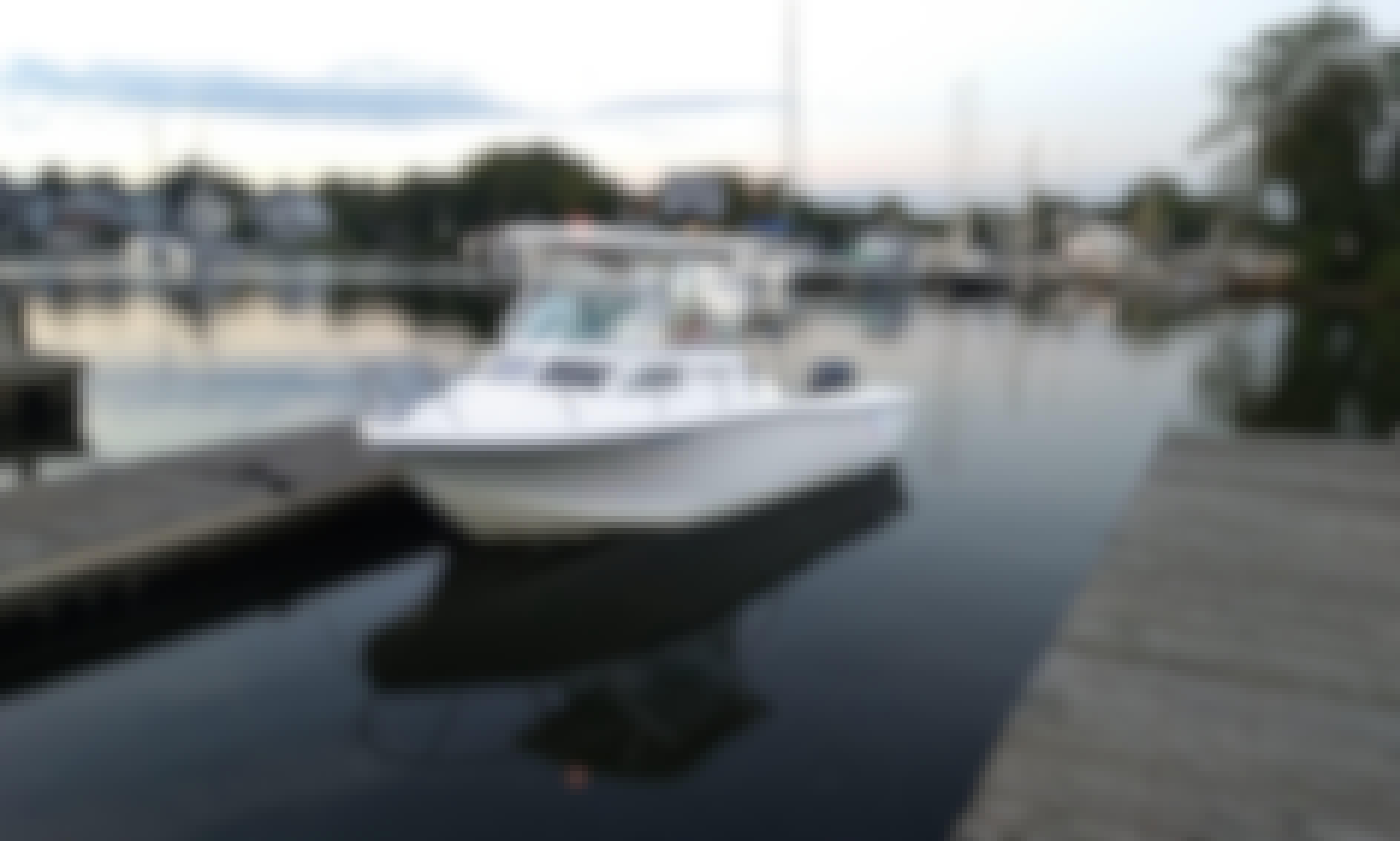 Cuddy Cabin/Walk Around fishing charter in Annapolis