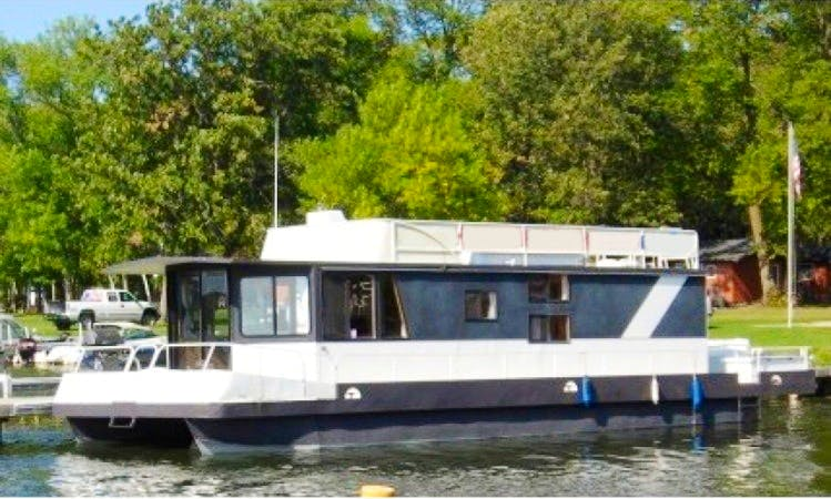 50' Houseboat for 8 People in Walker, Minnesota