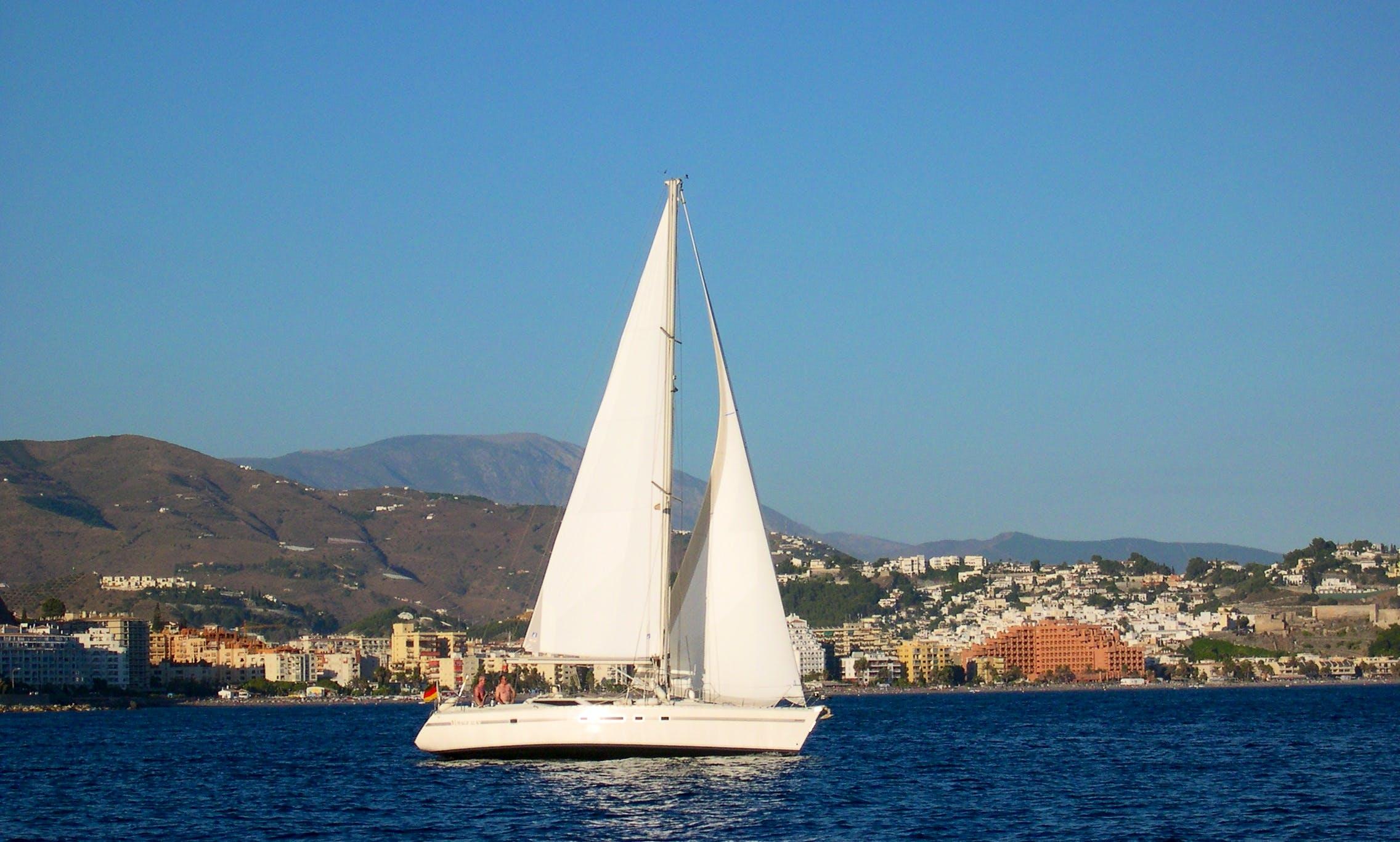 42' Jeanneau Voyage Sailing Yacht in Almuñécar, Spain
