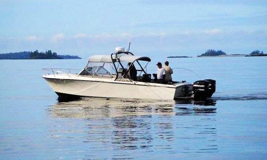 28' Center Console Cruiser Fishing Guide In Tofino, Bc
