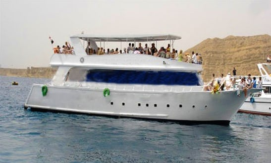 Motor Yacht Snorkeling Trips In South Sinai