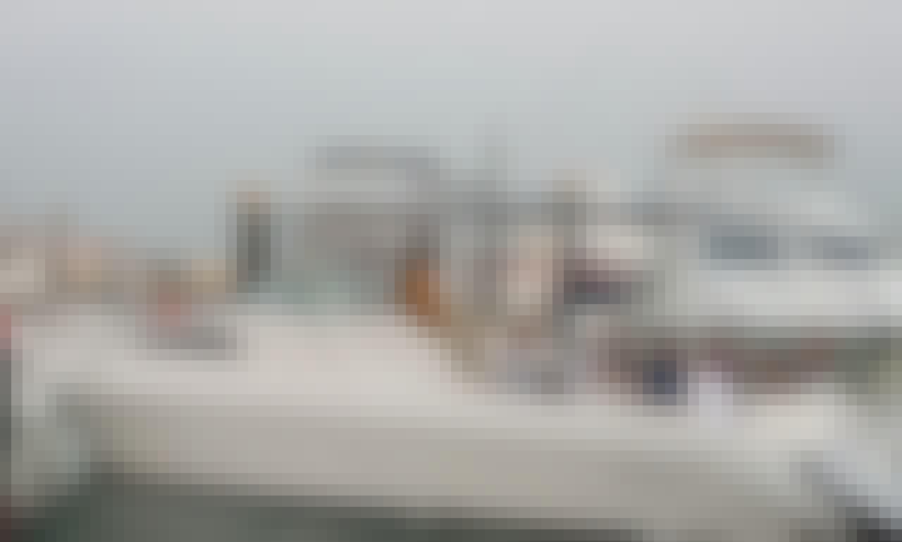 Spacious Fishing Boat For 10 People In Dubai, UAE