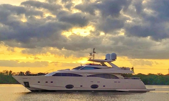 Power Mega Yacht In Miami