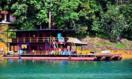 3 Days and 2 Nights Aboard a 25 People Houseboat in Kuala Berang, Malaysia