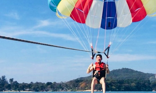 Enjoy Parasailing In Map Ta Phut, Thailand