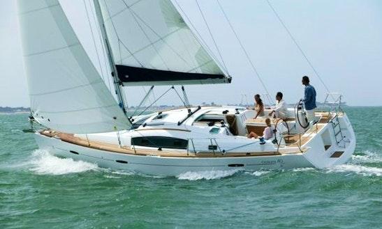 40' Beneteau Oceanis Sailboat From Torroella De Montgrí, Cataluña