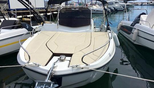 Beneteau Flyer 6.6 Powerboat Rental In Barcelona, Cataluña