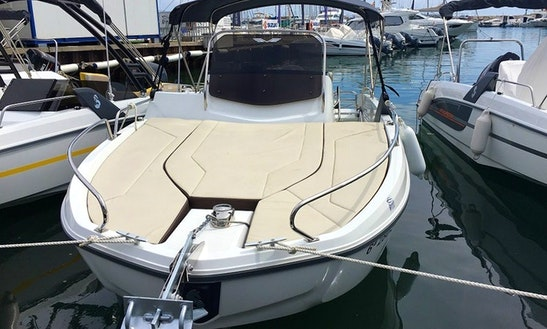 Beneteau Flyer 6.6 Powerboat Rental In Barcelona, Cataluña