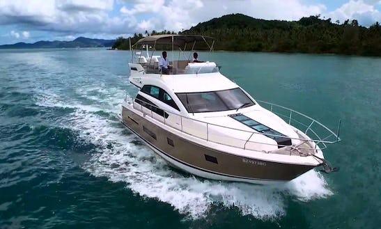 Explore Anjuna, Goa By A Motor Yacht Charter