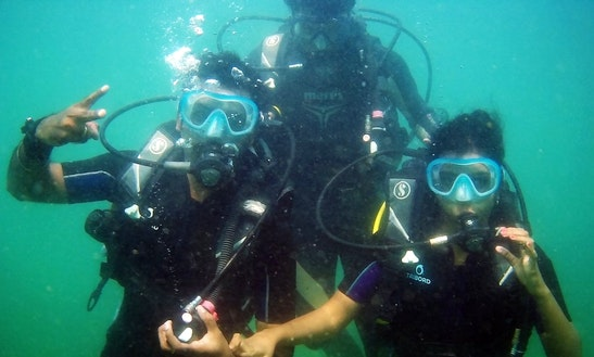 Enjoy Diving In Anjuna, Goa