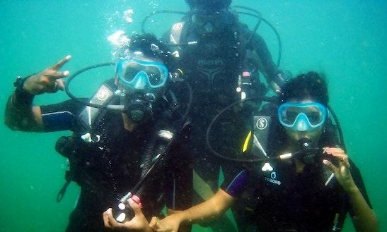 Enjoy Diving In Anjuna, Goa